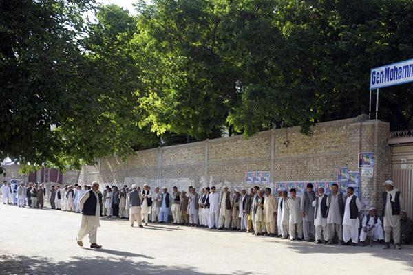 Polling in Quetta, May 11. Banaras Khan—AFP