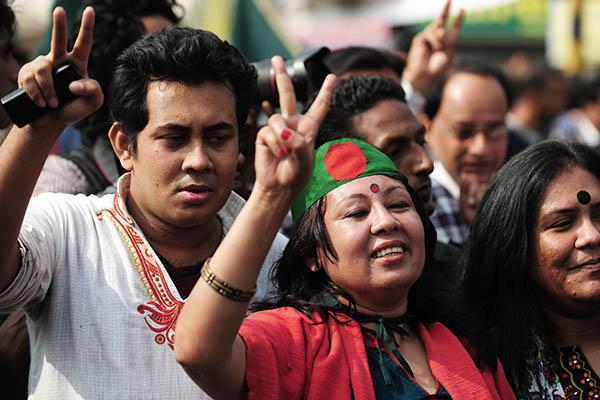 Social activists praise Supreme Court ruling. Munir uz Zaman—AFP