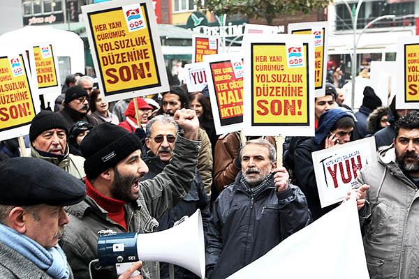 Protesting against corruption. Adem Altan—AFP