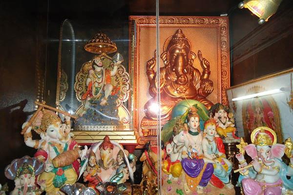 The interior of the Ratneshwar Mahadev Temple. Facebook