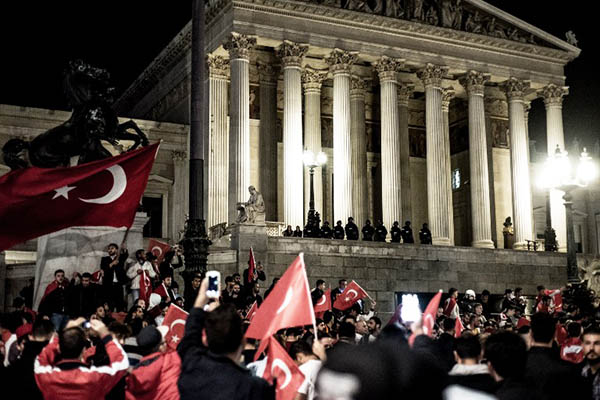 Erdogan-supporters demonstrate in front of parliament in Vienna. Christopher Glanzl—AFP