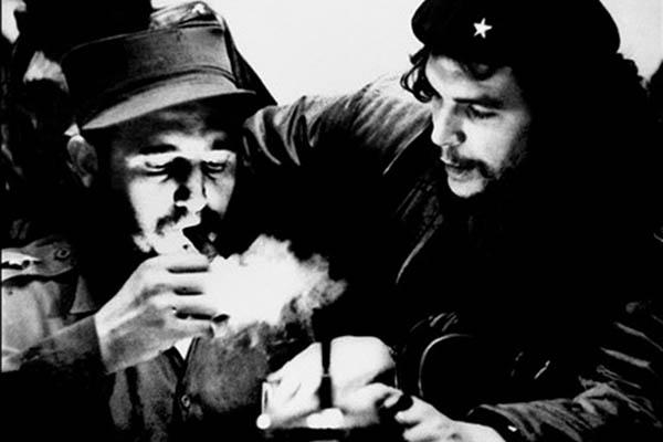 Fidel Castro, left, with Ernesto Che Guevara in the 1960s. Roberto Salas-Cubadebate—AFP